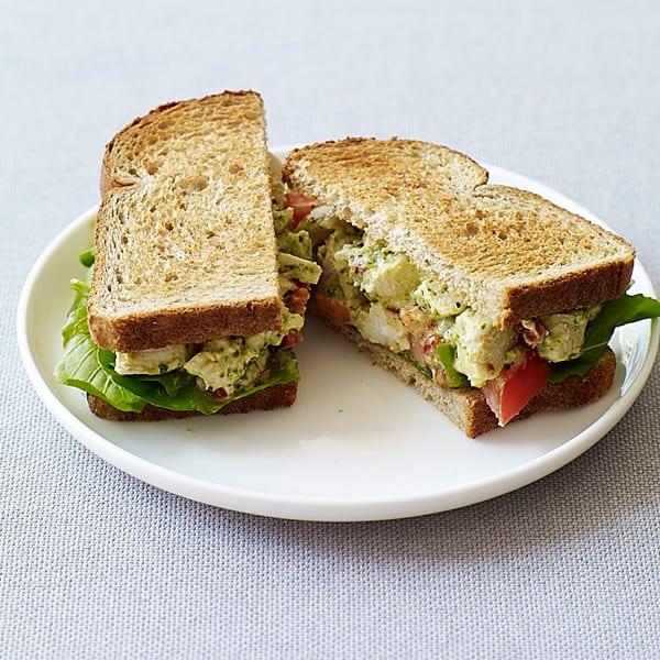 Photo de Sandwiches et salade au poulet et pesto prise par WW
