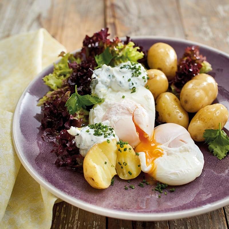 Foto van Gepocheerde eieren met krieltjes en kruidenkwark/-plattekaas door WW