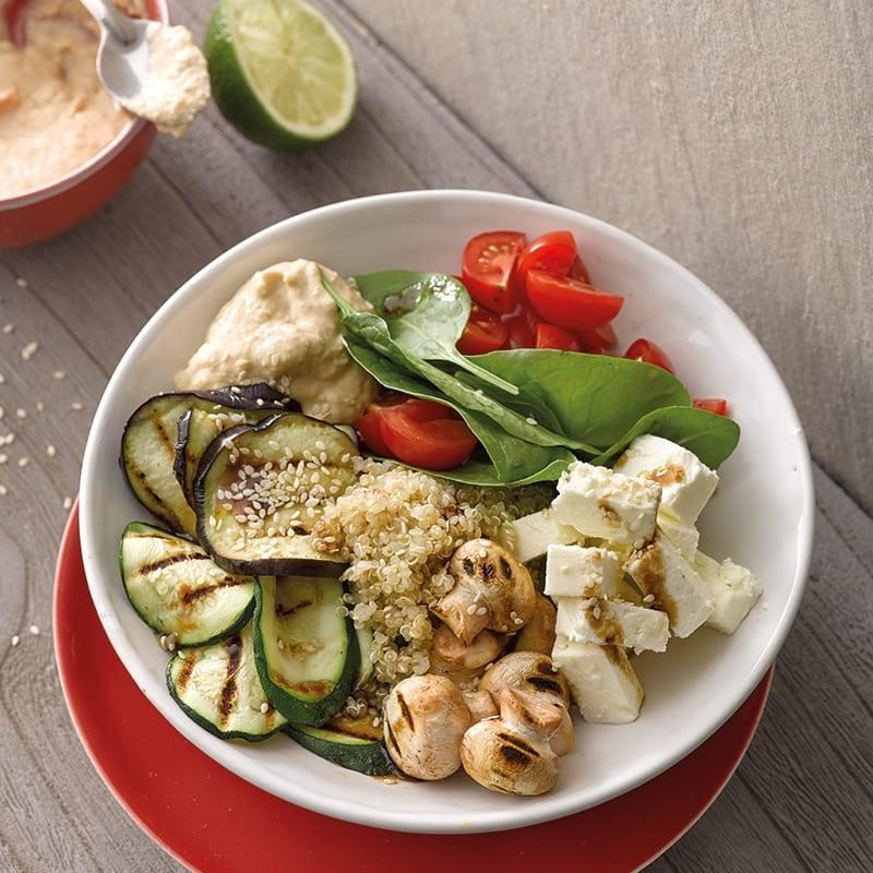 Foto van Gegrilde groentebowl met hummus door WW