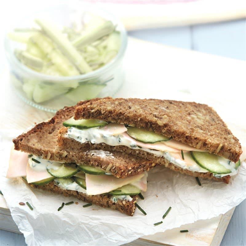 Photo de Sandwich de poulet, concombre et crème à la ciboulette prise par WW