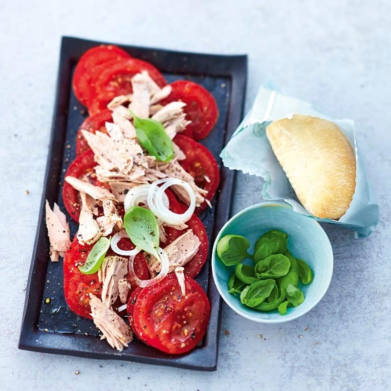 Foto van Tomaten met tonijn door WW
