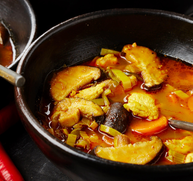 Foto van Pascale Naessens' Maaltijdsoep met kip en curry door WW