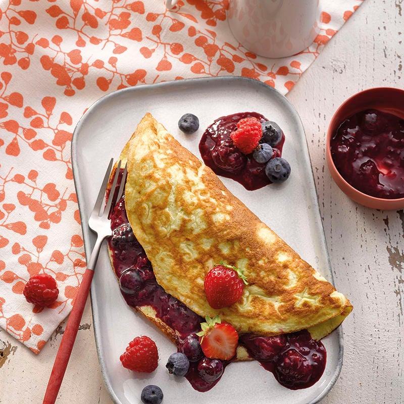 Foto van Omelet met rood fruit door WW