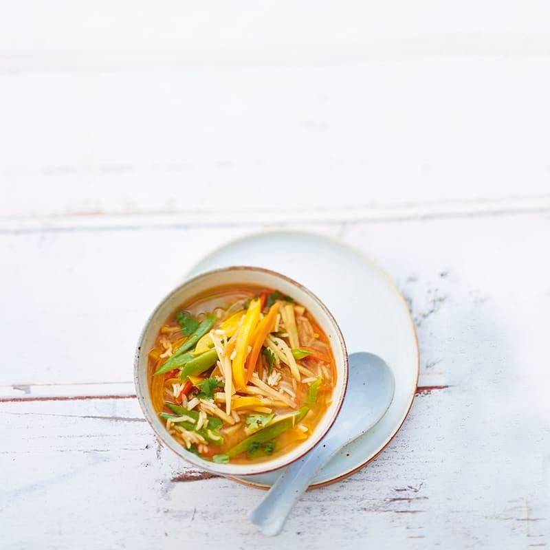 Foto van Oosterse soep met peultjes en rijst door WW