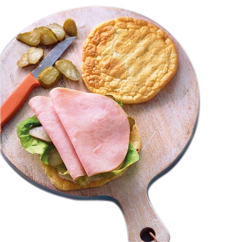 Foto van Cloud bread sandwich met kipfilet door WW