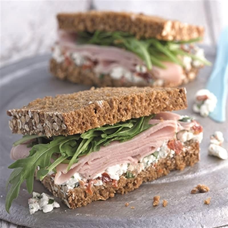 Foto van Sandwich met ham en cottage cheese door WW