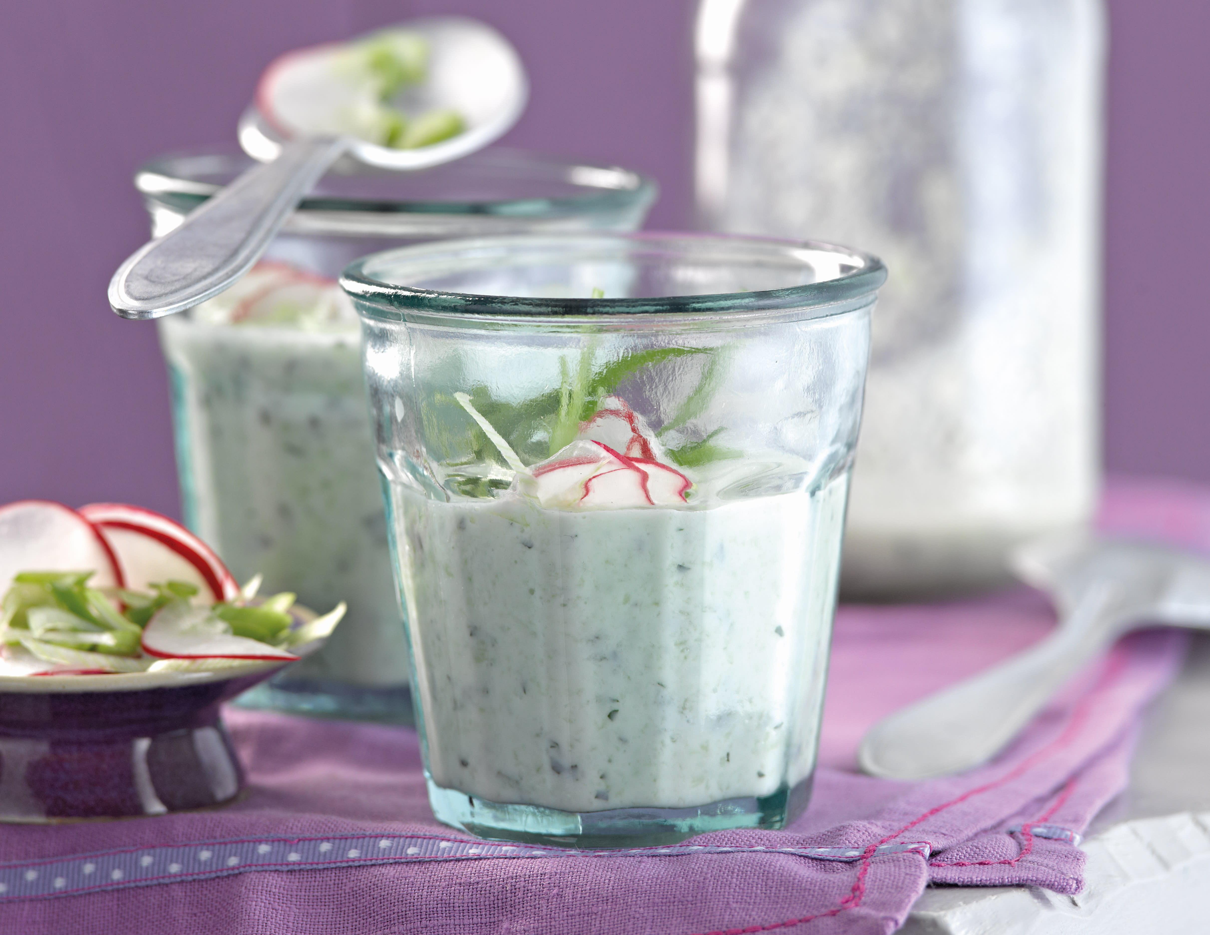 Foto van Koude komkommer-yoghurtsoep met munt door WW
