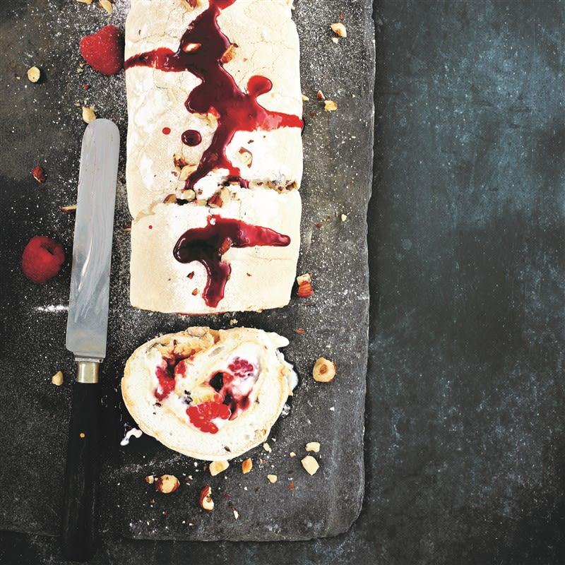 Photo de Roulade de meringue au framboises et noix prise par WW