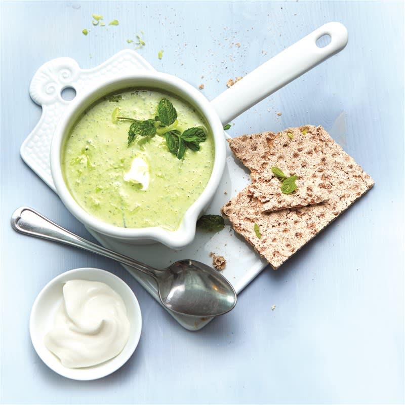 Photo de Potage de yaourt, petits pois et menthe prise par WW