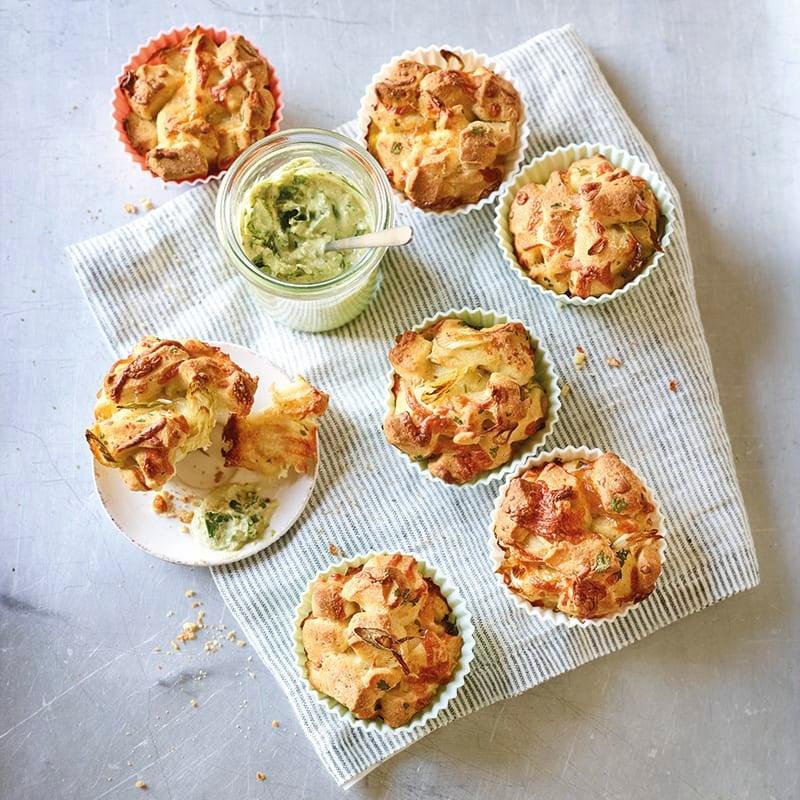 Foto van Muffins met kaas en pestodip door WW