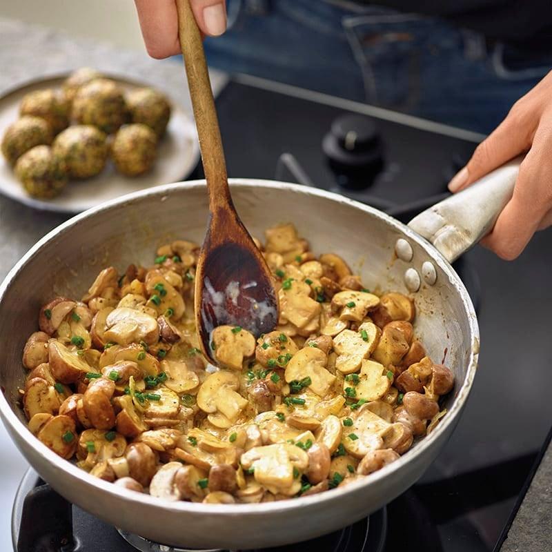 Foto van Romige champignons met peterselie-quinoaballetjes door WW