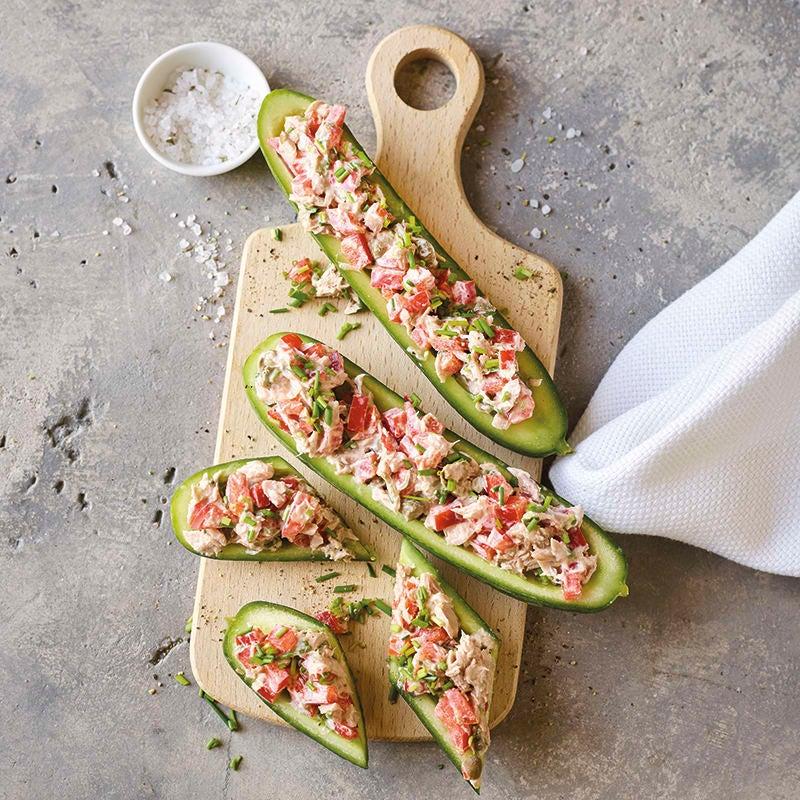 Foto van Komkommerbootjes met tonijnsalade door WW