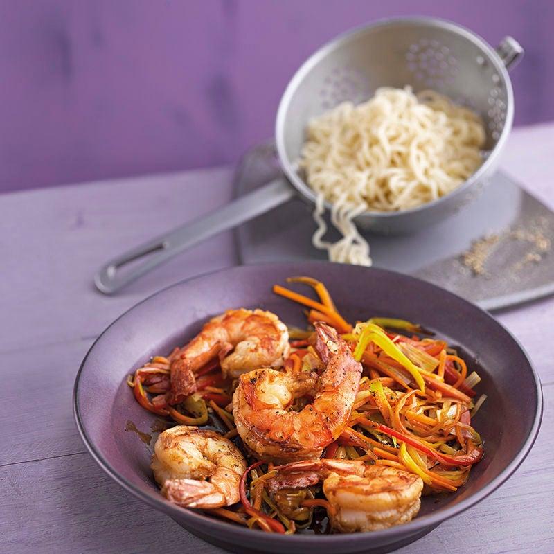 Photo de Crevettes pimentées, nouilles chinoises et légumes prise par WW