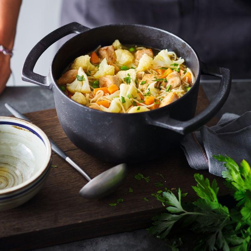 Photo de Potage aux légumes, dinde et nouilles complètes prise par WW