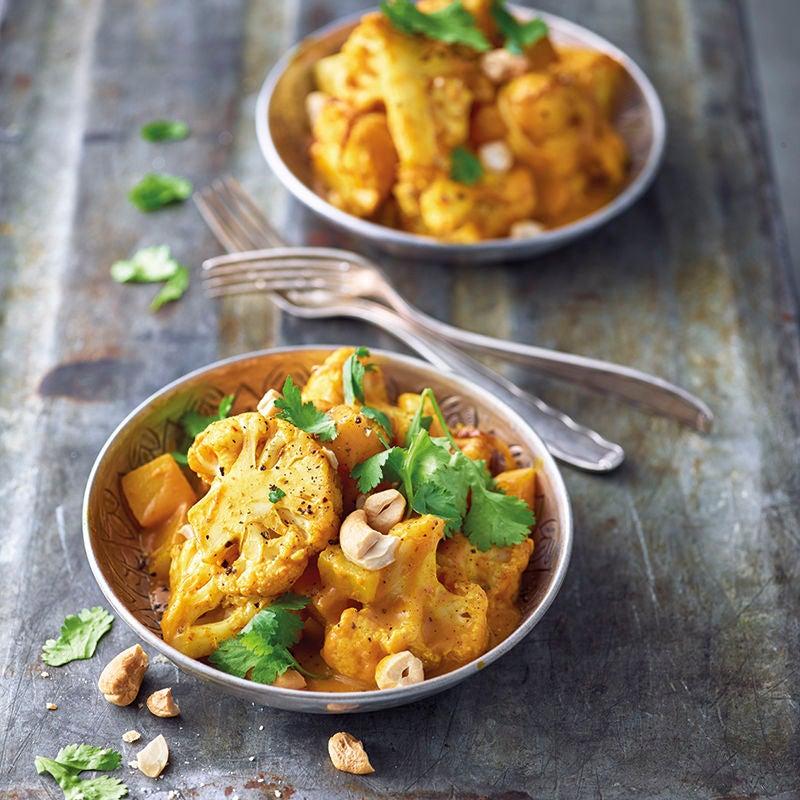 Foto van Indiase curry met aardappel en bloemkool door WW