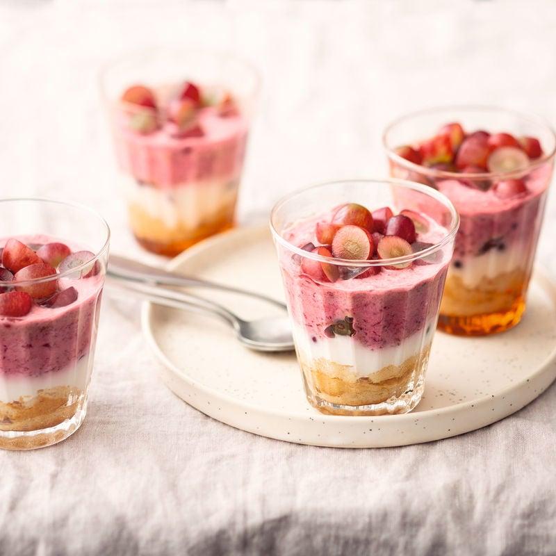 Photo de Trifle aux raisins et prunes rouges prise par WW