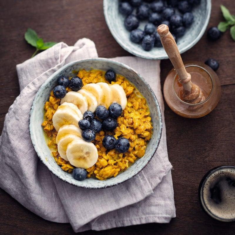 Photo de Porridge curcuma et myrtilles prise par WW