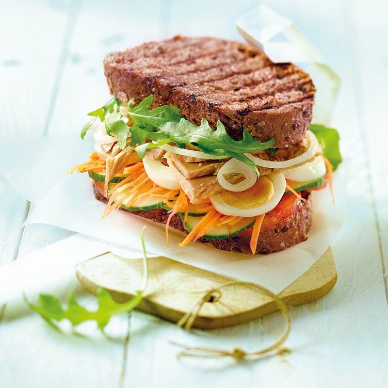 Photo de Sandwich aux légumes et au thon prise par WW