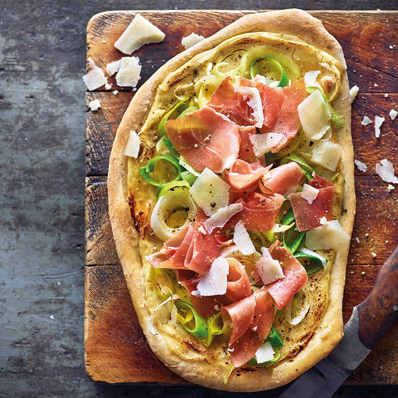Photo de Fonds de pizza croquants et jambon cru prise par WW